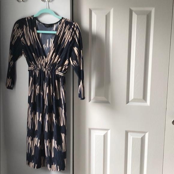 BCBGMaxAzria Dresses & Skirts - BCBG MaxAzria Belted Midi Dress - Medium Petite
